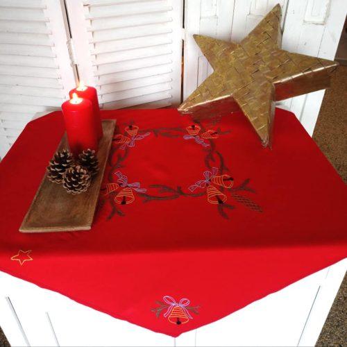 rød juledug med broderi