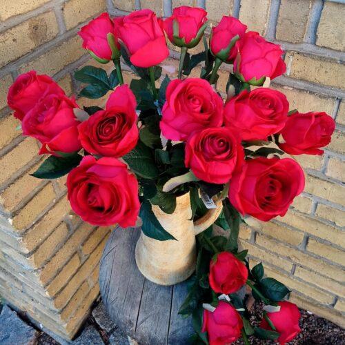 Roser røde langstilkede