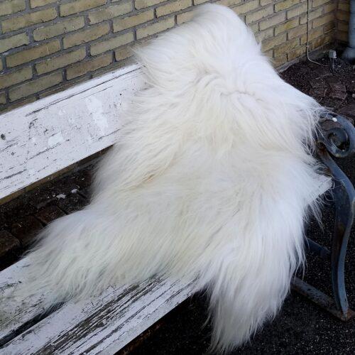 hvidt langhåret lammeskind
