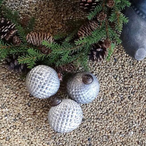 Rustikke julekugler med mønster