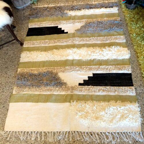 Flot vævet gulvtæppe