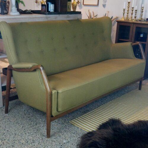 Olivengrøn retro sofa