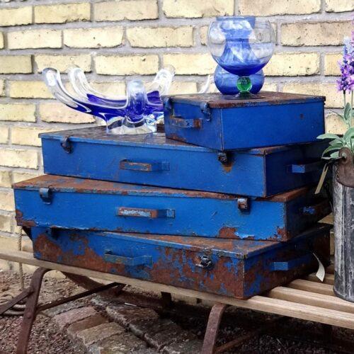 Rustik blå jernkasse