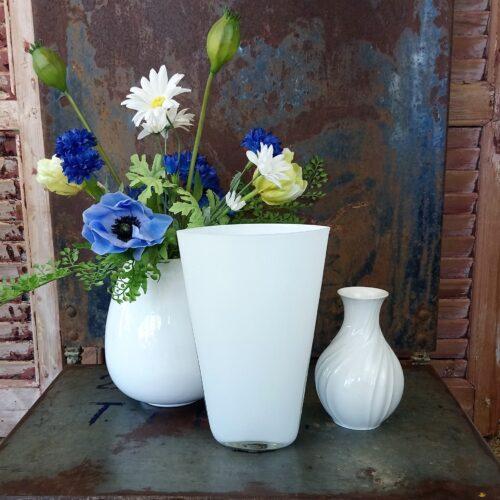 Elegant hvid glasvase