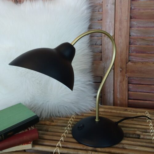 Flot bordlampe i metal