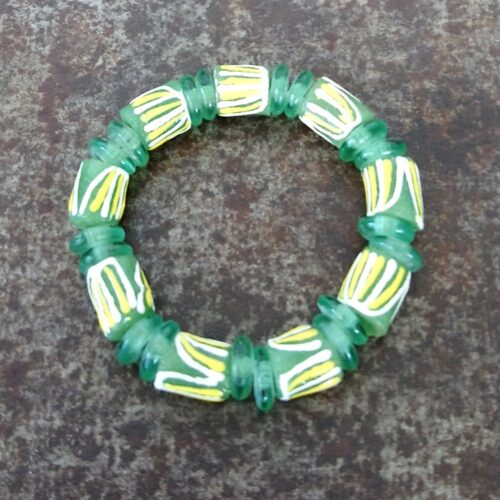 Håndlavet armbånd recyclede glasperler