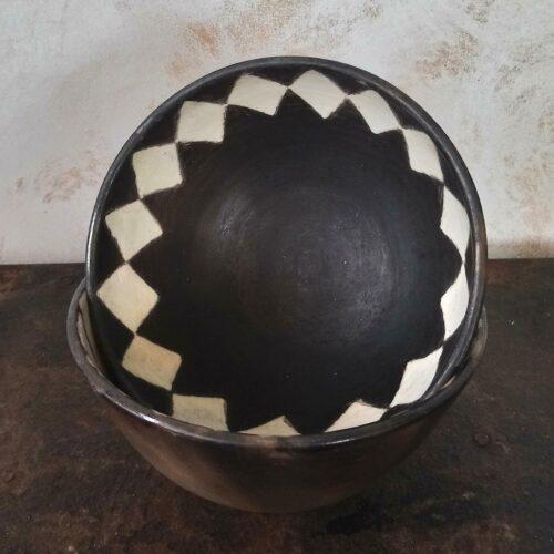 Afrikansk lerskål håndlavet