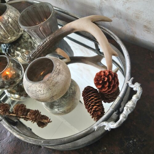 Dekorationsfad med spejlbud