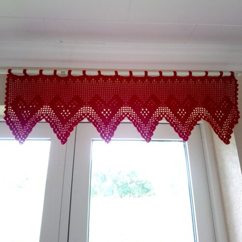 Rød hæklet jule gardinkappe