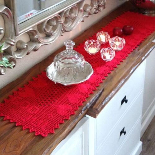 Rød hæklet juleløber