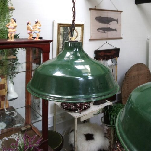 Grøn rustik jernlampe