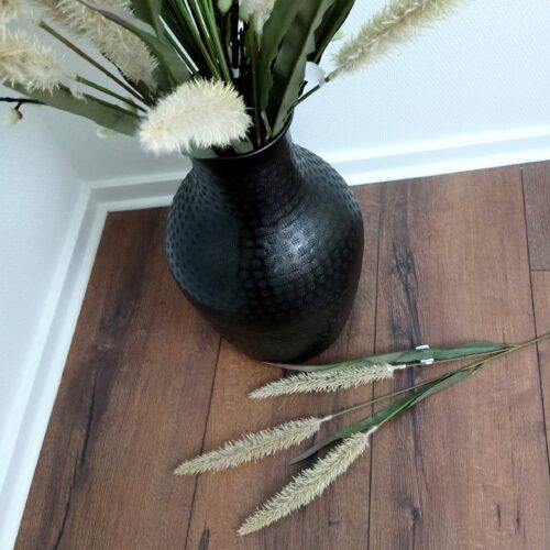 Græs tørret med siv