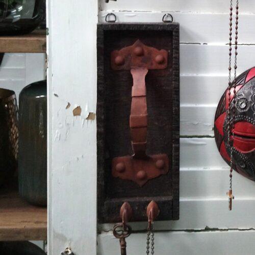 Knage recycled i træ og jern