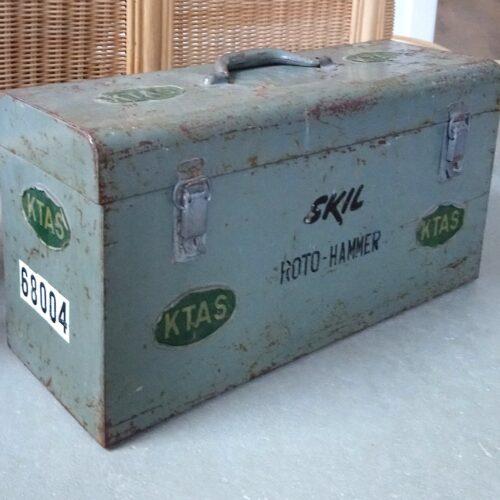 Gammel KTAS jern værktøjskasse