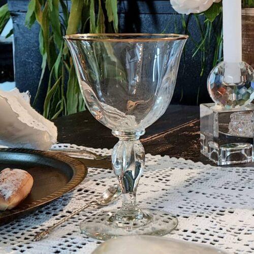Smukke vinglas med guldkant