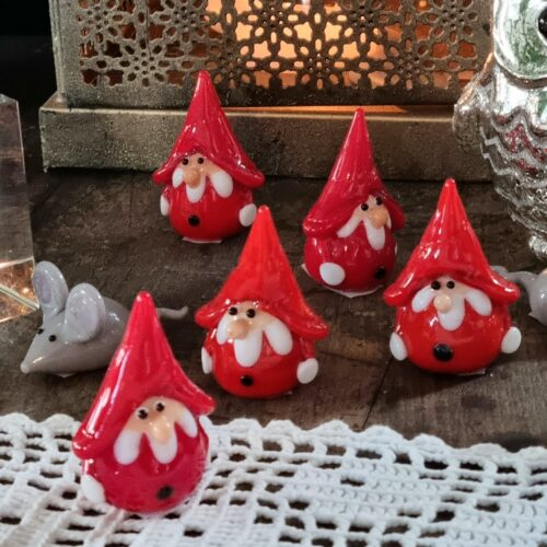 Søde små julenisser i glas