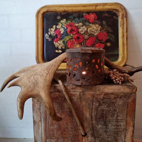 Rustik lanterne med hulmønster
