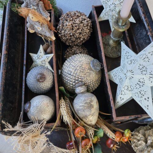 Sølvlook julekugler